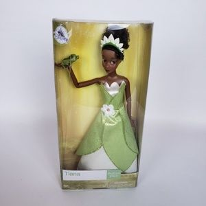Princess and the frog doll Tiana Disney store